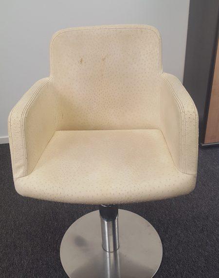 Lederen stoelen coaten